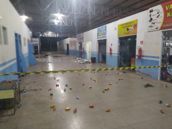 Terminal foi interditado pelo Corpo de Bombeiros.